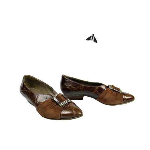 Vintage Ayakkabı - Sarp Kayalar Ardında