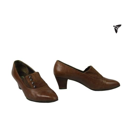 Vintage Ayakkabı - Bir Küçük İstasyonda