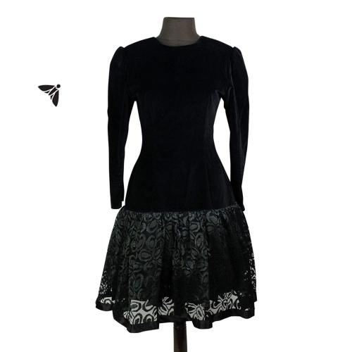 Vintage Kadife Elbise - Eski Bir Fotoğraftan Oydular