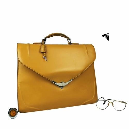 Vintage Çanta - İkimizi Bir Bankta