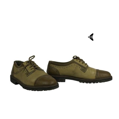 Vintage Ayakkabı - Dağılmış Yürüyüşte